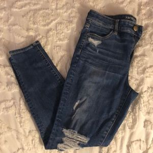 High-Rise Distressed Jegging